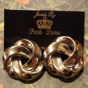 VINTAGE PARK LANE SILVER TONE SWIRL STYLE EARRINGS